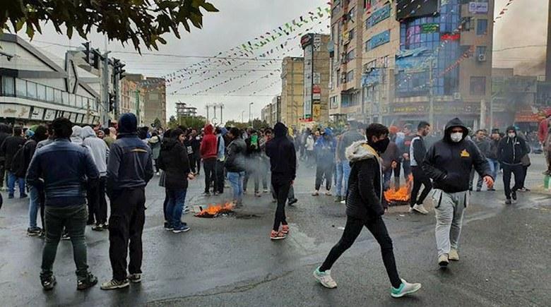 جلوههایی از شهرهای میهن در جریان قیام سراسری – قیام ایران